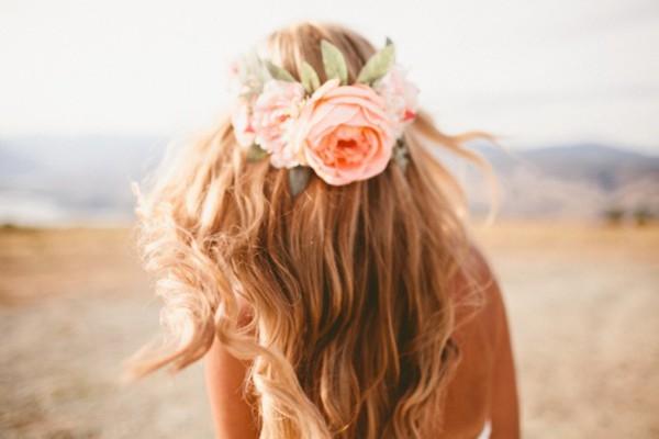 O que afeta seu cabelo aos 20 anos? Foto: Reprodução
