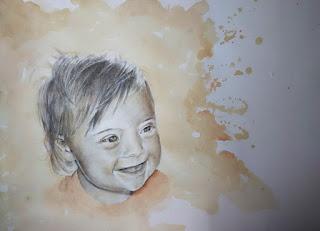 Retrato a lápiz y acuarela de bebé riendo