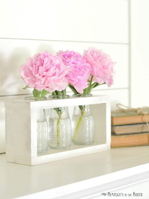 Farmhouse Style Flower Vase Holder with Dollar Tree Bottles