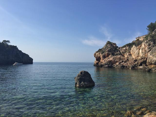 Cala de Deià, Mallorca.