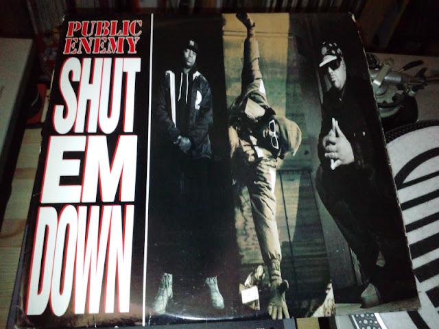 Shut Em Down / Public Enemy のレコードジャケットの写真です。