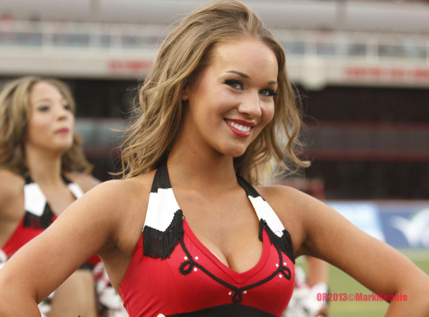 Pro Cheerleader Heaven Is Calgary Stampeders Cheerleader