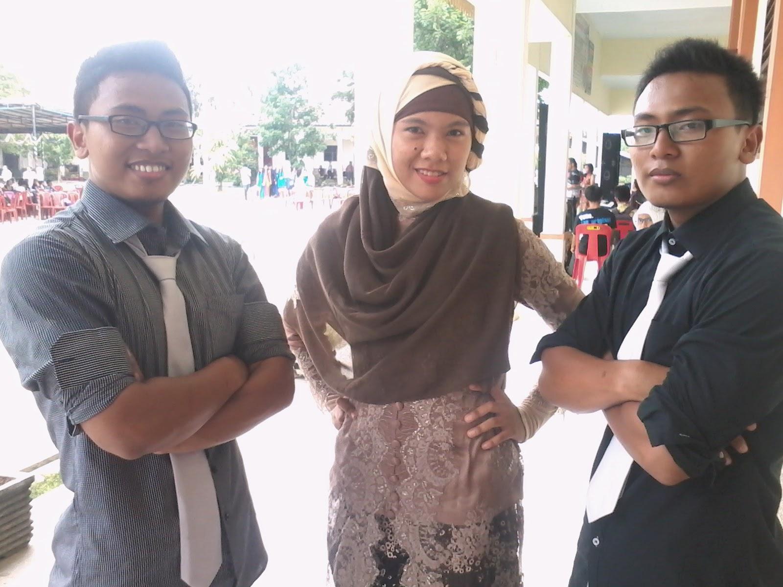 XII IPA 2, SMAN 21 MEDAN, 2013/2014, Mahdiyyah , Ekal Jazman, Ekik Jasmin