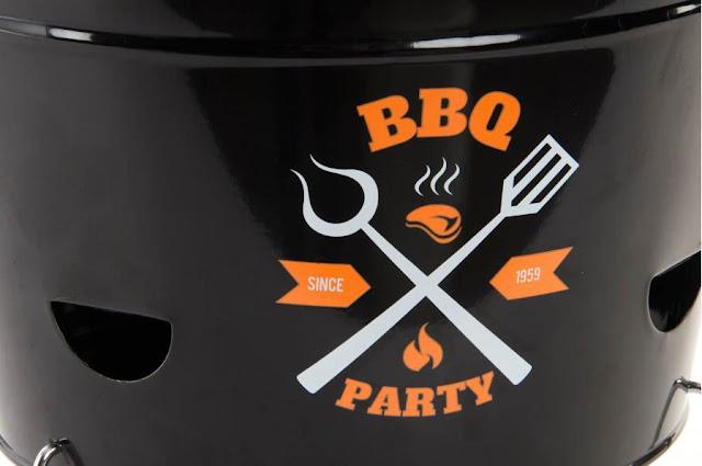 https://www.dortehogar.com/es/accesorios-de-cocina/4340-dorte-hogar-deco-barbacoa-metal-con-asa-y-patas-bbq-party-cubo?search_query=BBQ&results=2