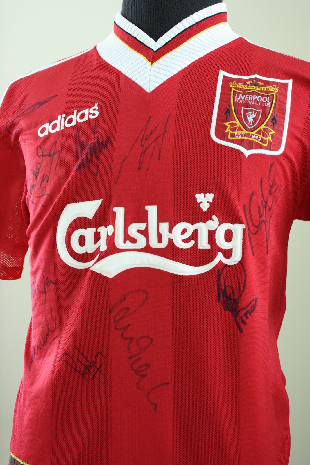 fa454ee0941 fesretrobrunei  thesportshop  1995-97 LFC home kit with players ...