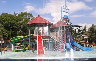 http://www.teluklove.com/2016/11/pesona-keindahan-wisata-water-splash-di.html