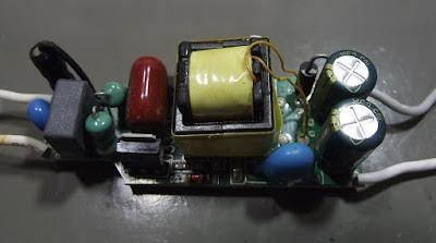 Lâmpada de LED Giga Eco 9W fonte