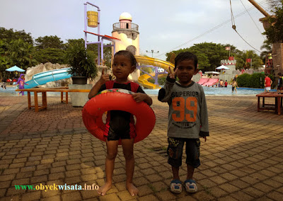 Kolam Renang Columbus Waterpark