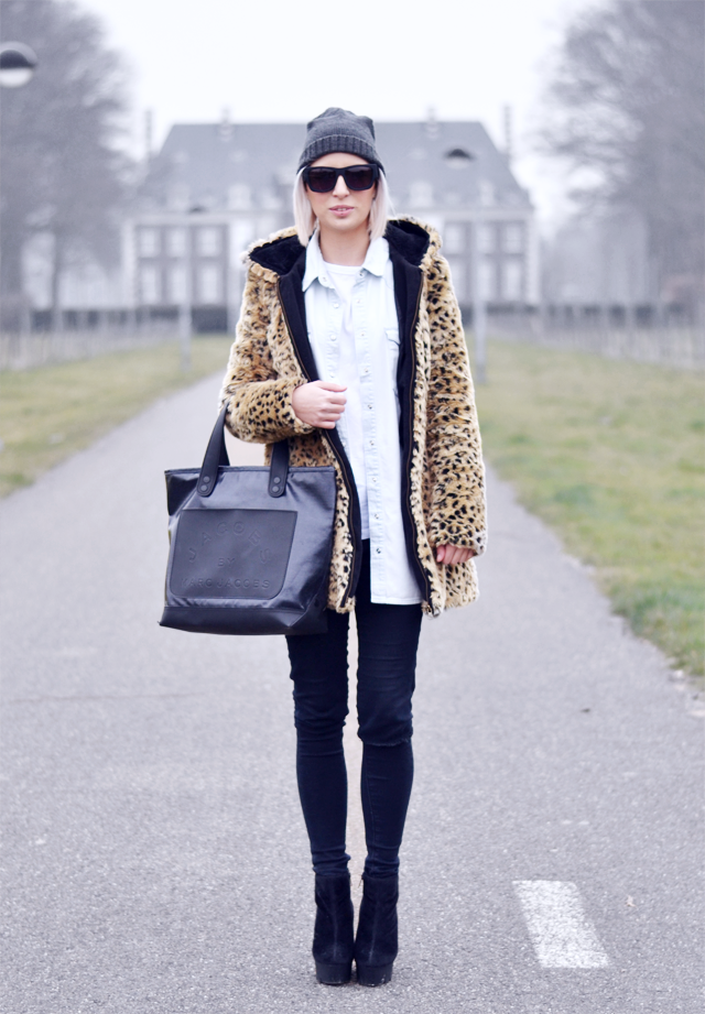 Outfit, streetstyle, trends 2015, fall winter, leopard coat, how to wear, pony hair boots,