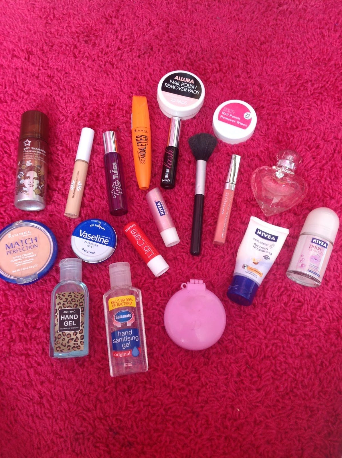 Makeup Essentials Must Haves From Makeup Artists Part 1: Destinylevixo: School Beauty Essentials