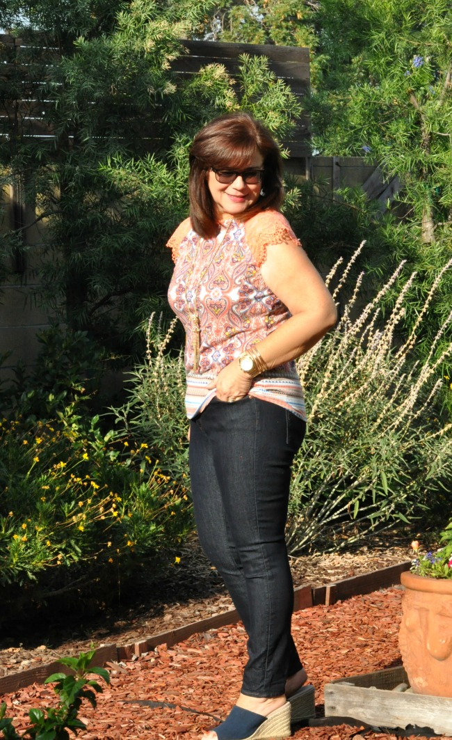 lace trimmed paisley t-shirt and skinny jeans