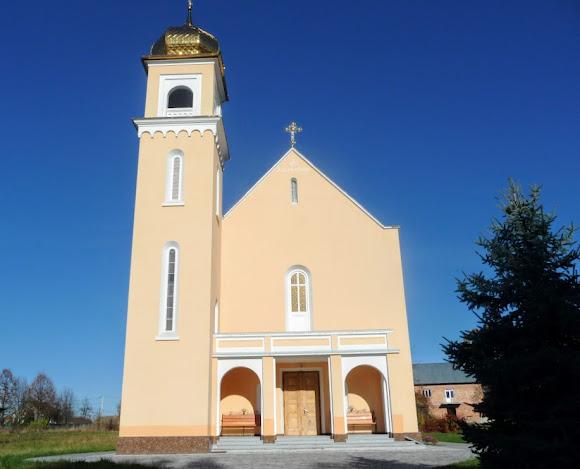 Верхние Гаи. Церковь Девы Марии Снежной. Бывший костёл