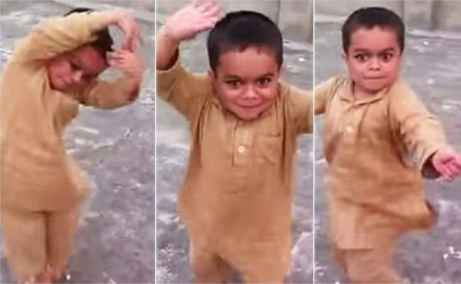 Little Dancing Pakistani Kid garoto árabe dançando 2014