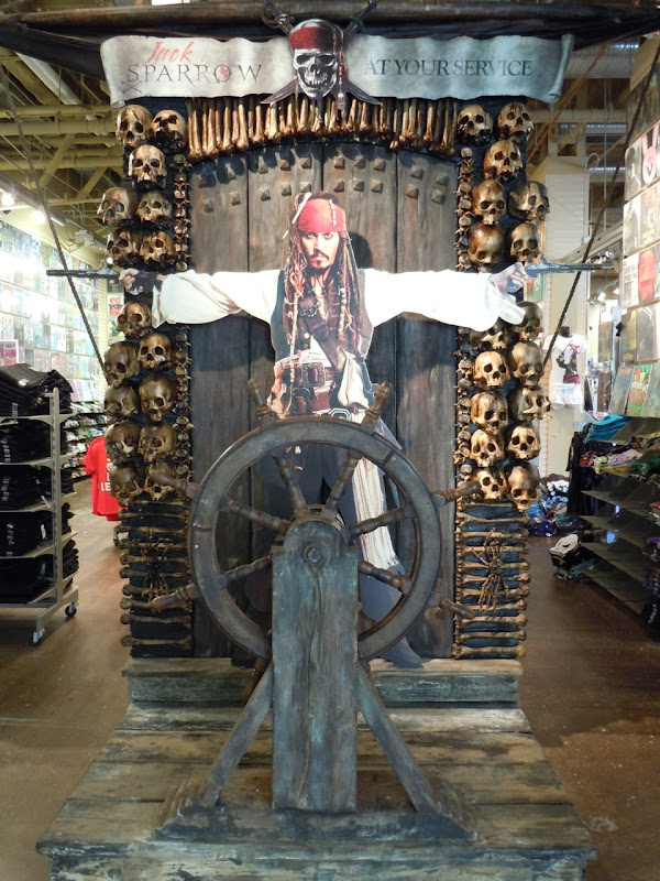 Jack Sparrow in-store Pirates 4 display