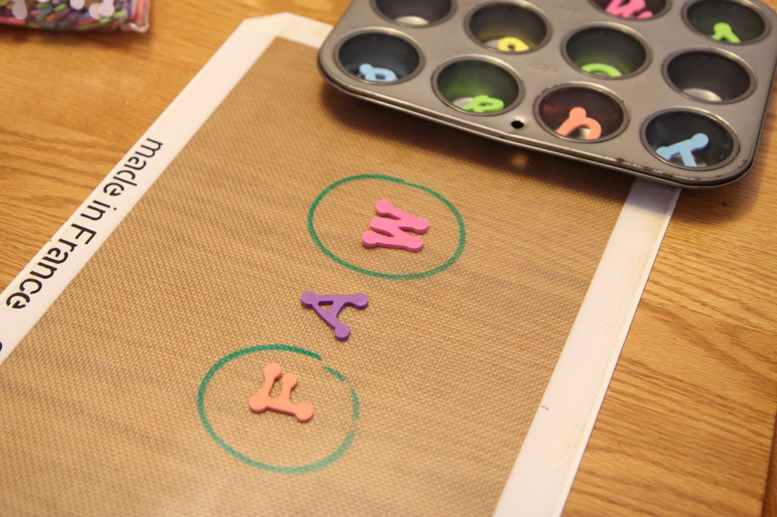 Toddler Approved Making Short Vowel Words