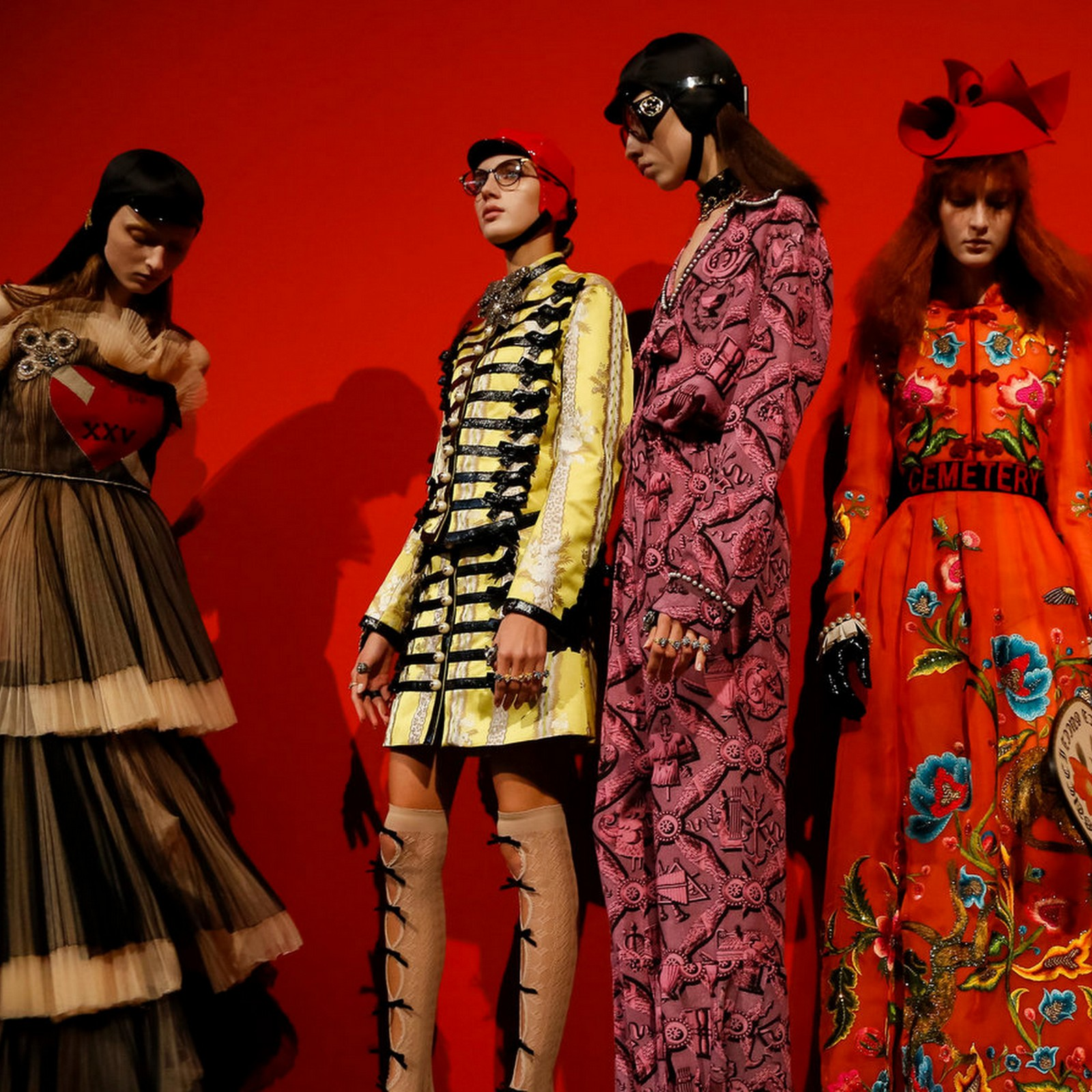 Runway Gucci Spring 2017 Cool Chic Style Fashion