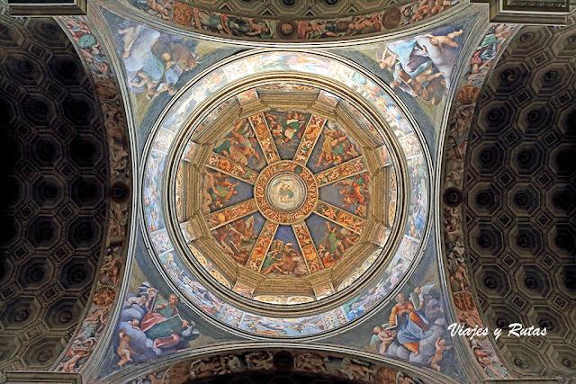 Interior de la Basílica Santa Maria Campagna de Piacenza