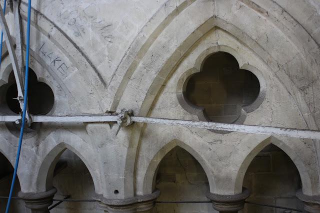 חיזוקי מתכת במגדל הקתדרלה