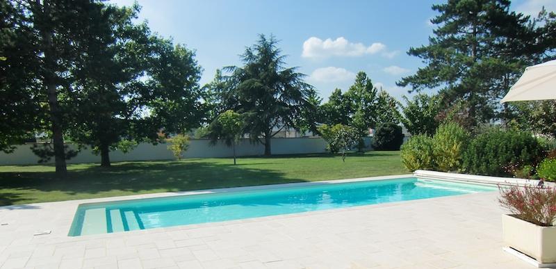 Home garden caron piscines for Changer margelle piscine