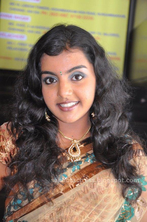 MQ - Malayalam Queens: Pretty Wet Rakhi_Raaji Cute