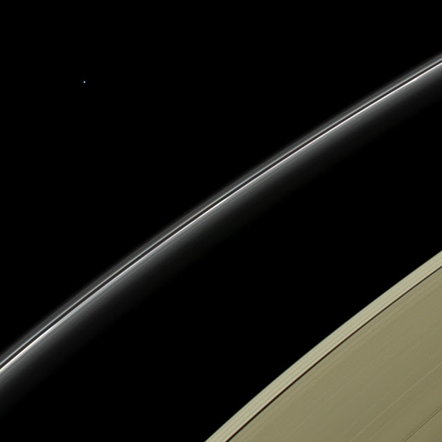 Uranus seen from Saturn by Cassini spacecraft