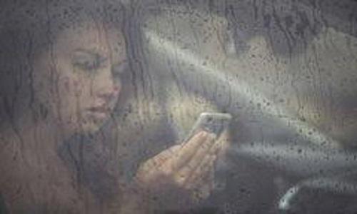 Guinée : Le téléphone peut attirer la foudre vers son utilisateur en saison des pluies2