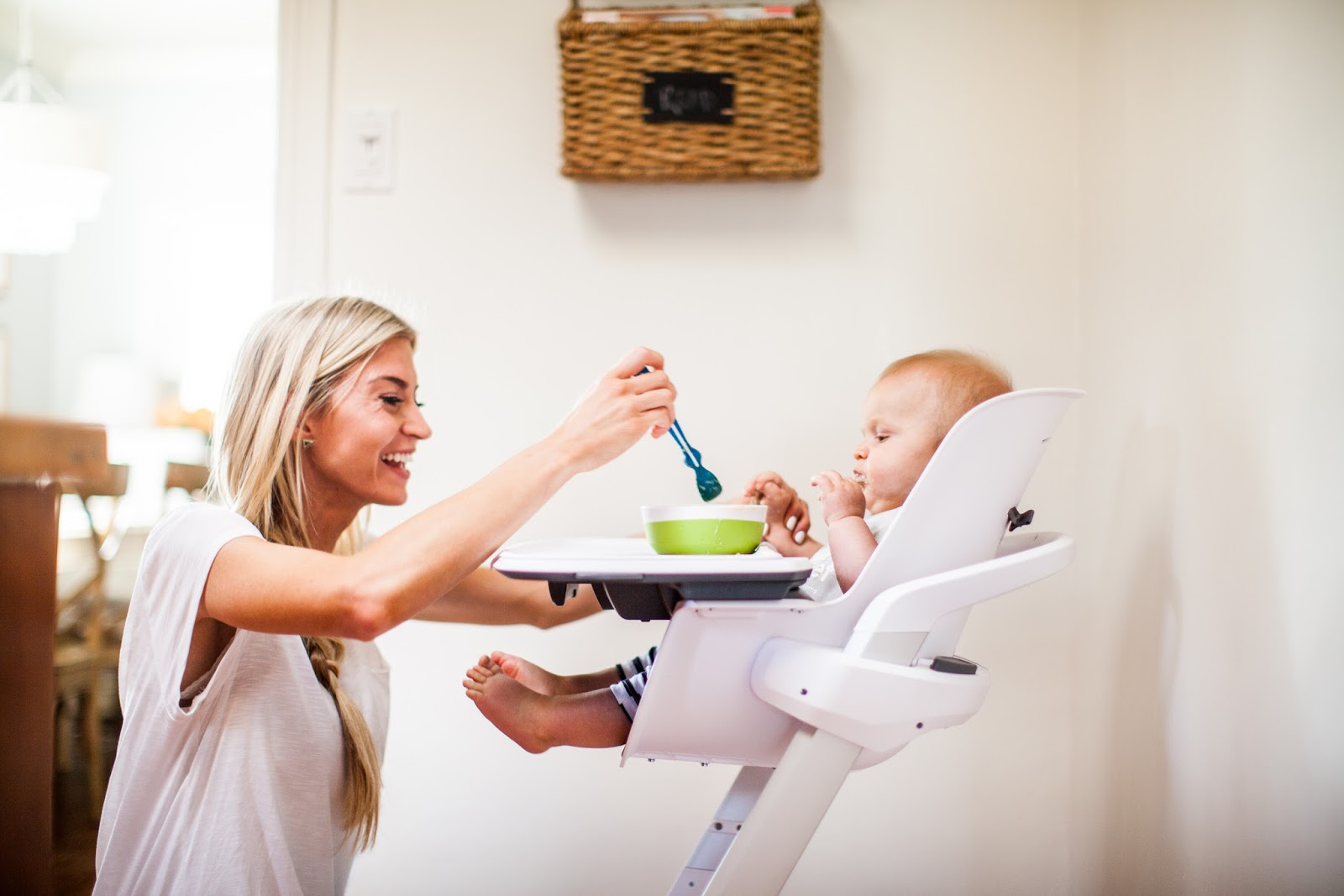 4moms High Chair Review Double Sided Mealtime Made Easy 43 A Giveaway Elle Apparel By Leanne