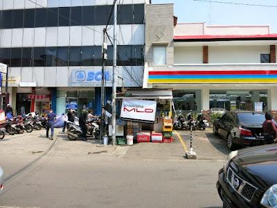 Minimarket Membunuh Warung Kecil