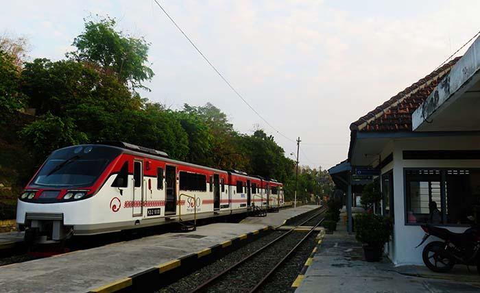 Railbus Batara Kresna
