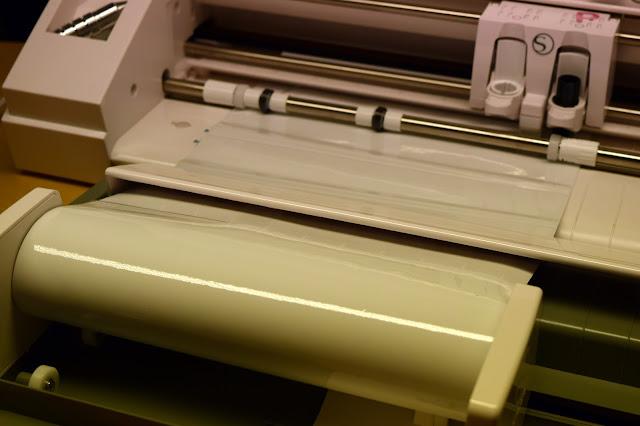 Vinylrulle monterad i Silhouette Roll Feeder