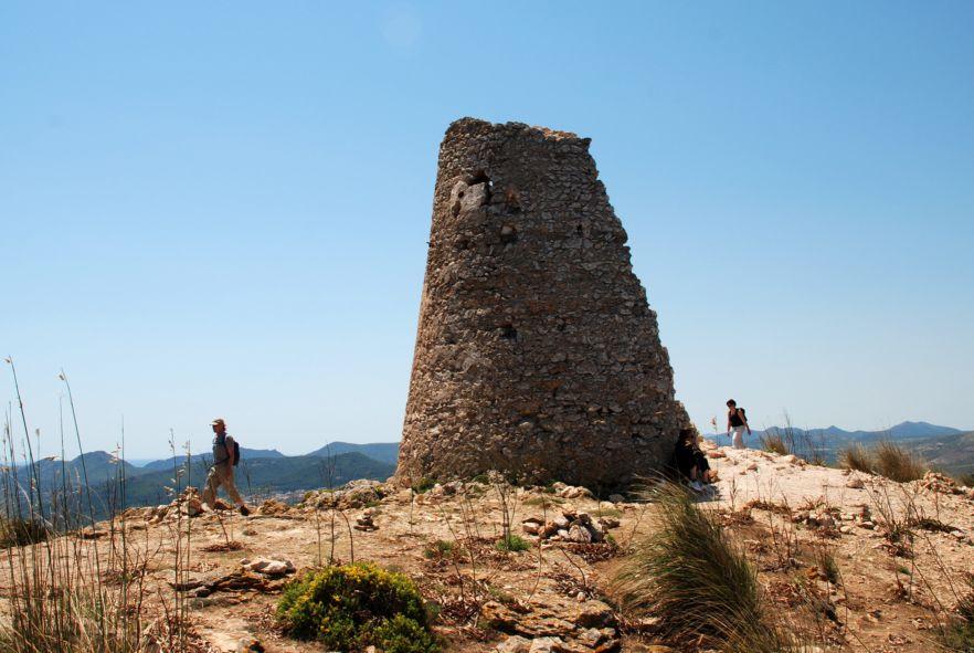 Torre de Son Jaumell - Enestående udsigt over Cala Ratjada, et oplagt vandremål