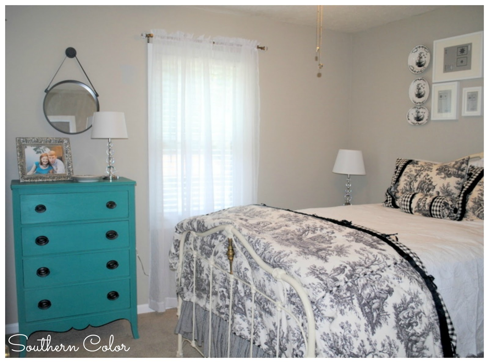 Southern Color Guestroom Makeover Black Amp White Toile