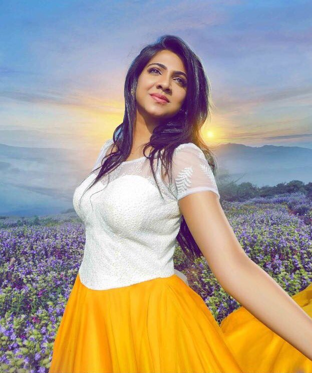 Madonna Sebastian Latest Pic in Tamil movie Kavan