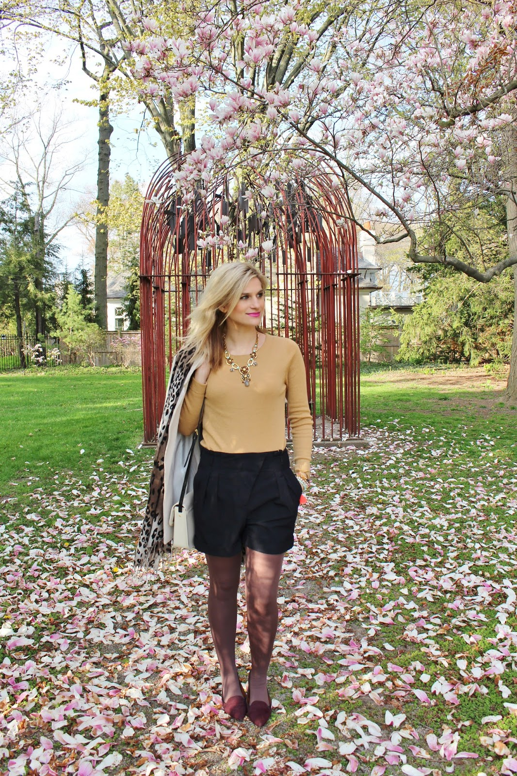 bijuleni-preppy spring outfit shorts and jacket