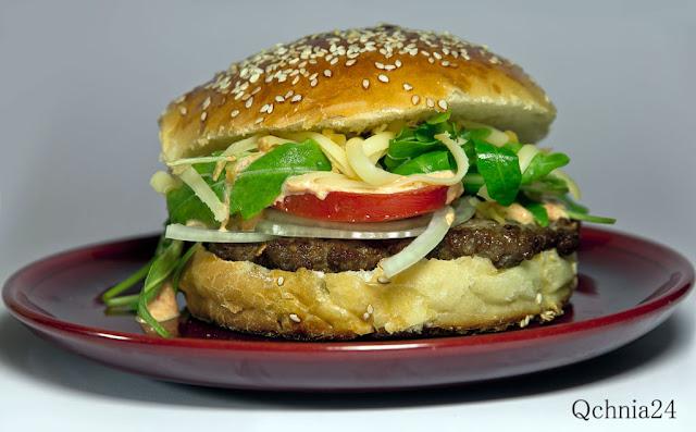 bułki do hamburgerów z sezamem