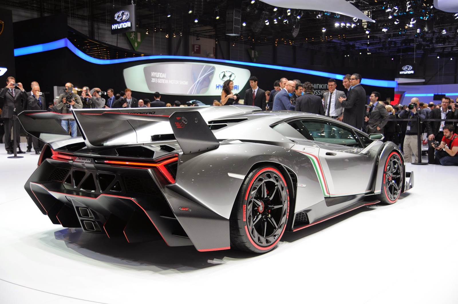 Information Lamborghini sesto elemento Amazing Power To Weight Ratio ...