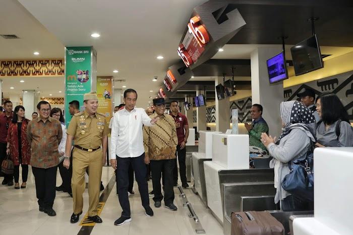 Ditemani Gubernur Ridho Ficardo, Presiden Jokowi Mulai Lawatan di Lampung
