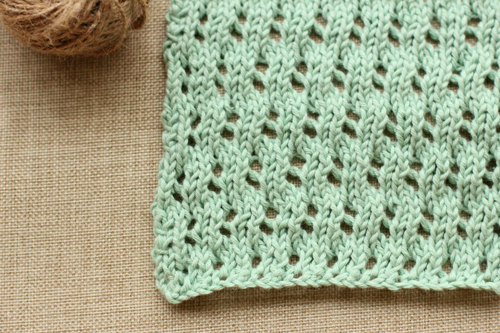 Waving Lace Washcloths | New Knitting Pattern / Say Little Hen