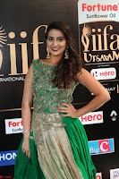 Manjusha in Beautiful Sleeveless Green Anarkali dress at IIFA Utsavam Awards 106.JPG
