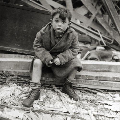 London Blitz bombing worldwartwo.filminspector.com