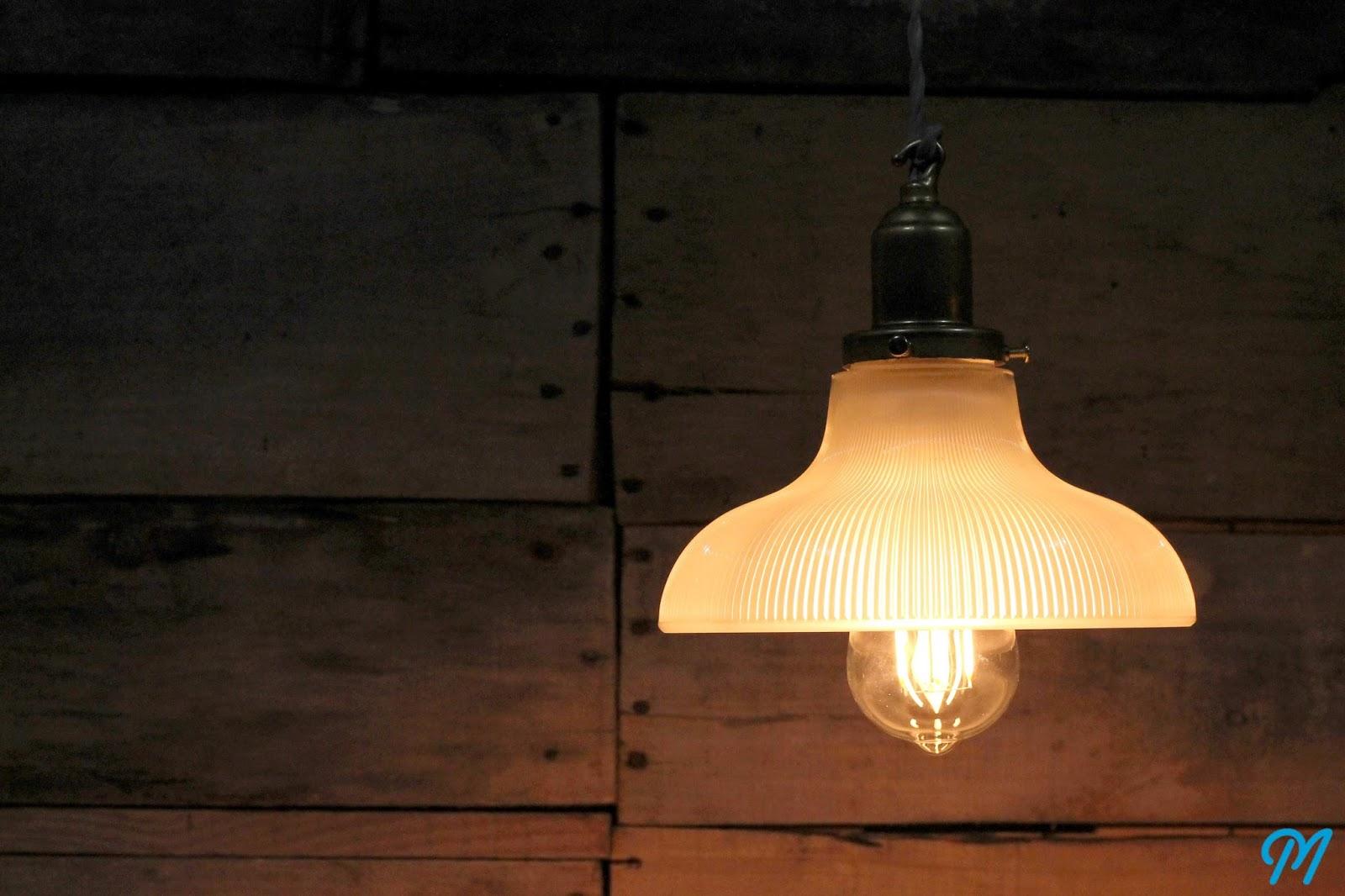 nouveaux luminaires opalines en verre vintage diviseurs de douilles caisses tamis avec. Black Bedroom Furniture Sets. Home Design Ideas