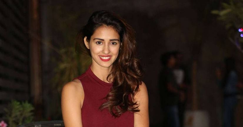 Disha Patani 2015: Actress Disha Patani In Short Leggings Photos At Loafer