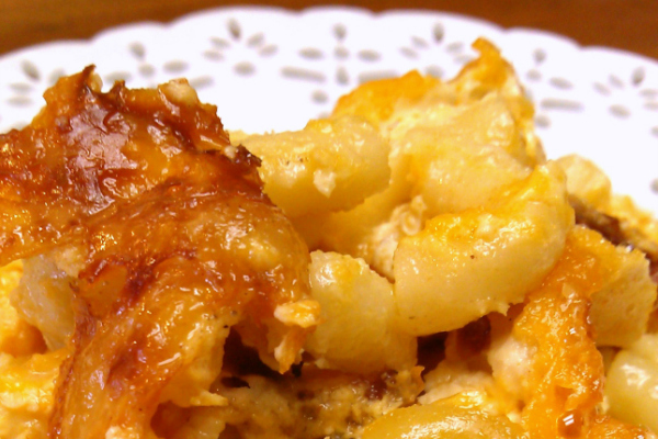 Southern-Style Crock Pot Macaroni & Cheese! Just like Mama's but made in a slow cooker!