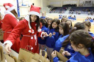 Επαιξαν μπάσκετ και αντάλλαξαν δώρα οι γυναίκες του ΠΑΣ Γιάννινα-Τουρνουά εφήβων και γυναικών την Παρασκευή-Φωτορεπορτάζ