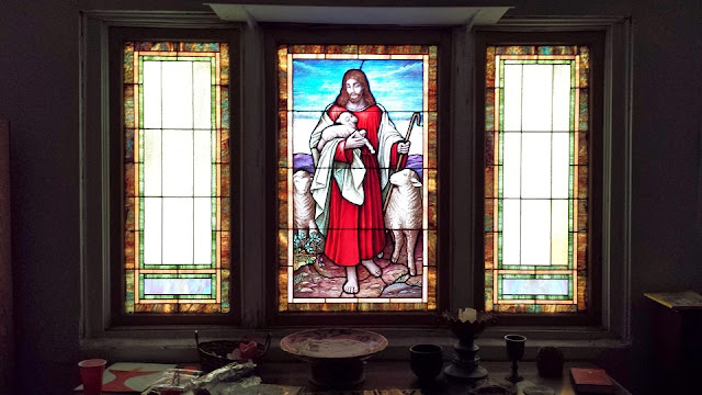 Contoh Desain Kaca Patri Gereja