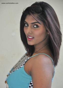 Actress Aslesha Varma Hot Phots and Gallery