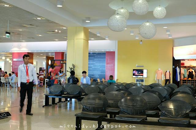 suasana di Phnom penh international airport