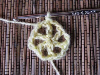 crochet, free crochet pattern, flowers