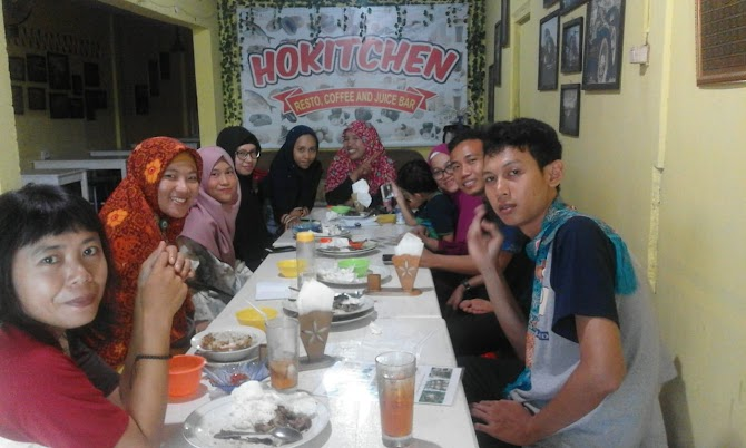 Makan di Hokitchen Resto Skip Bengkulu