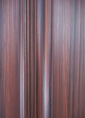 wood grain painted on kitchen cabinets